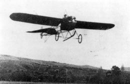 Reginald White flying his Fisher monoplane over the Hurunuiorangi Flats near Gladstone in 1913.